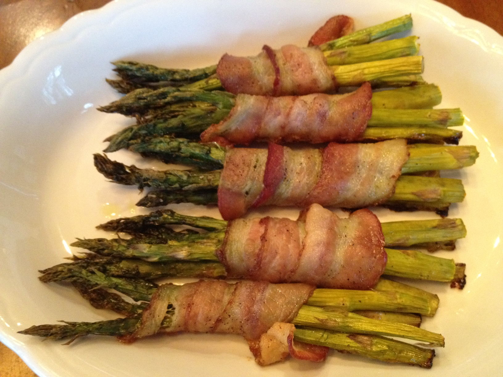 Christmas dinner asparagus wrapped in bacon sweet southern comfort asparagus wrapped in bacon forumfinder Image collections
